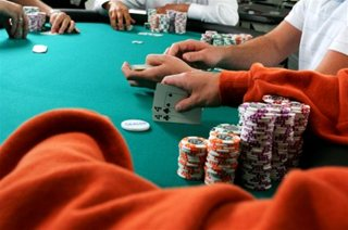 Playing Sit N Go Poker Tournaments – And Winning Them